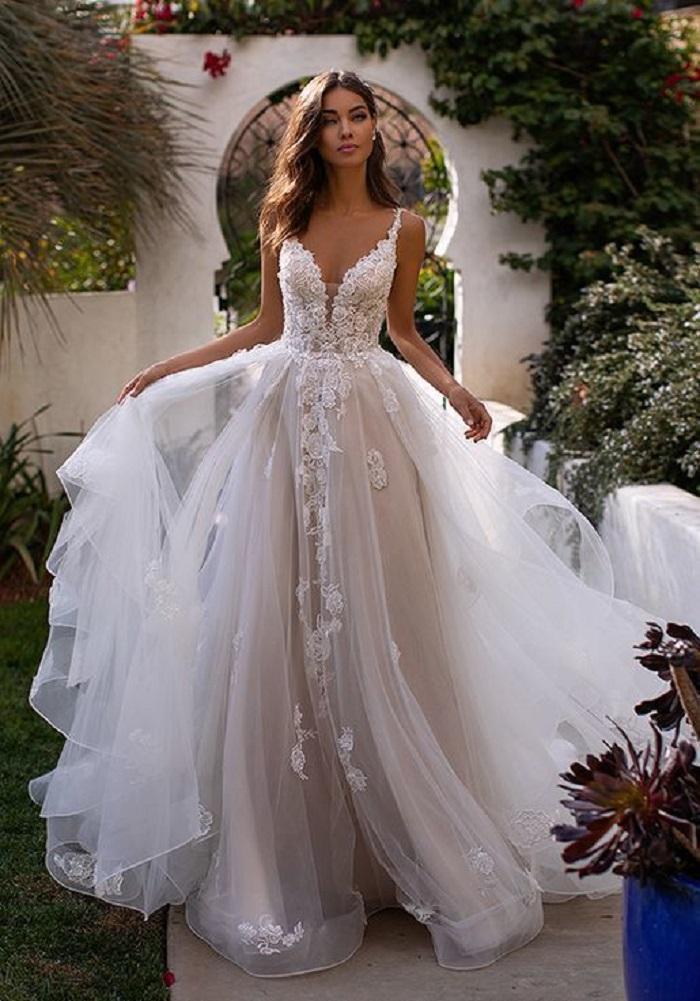 Chọn váy cưới là cả một nghệ thuật - Ảnh 3