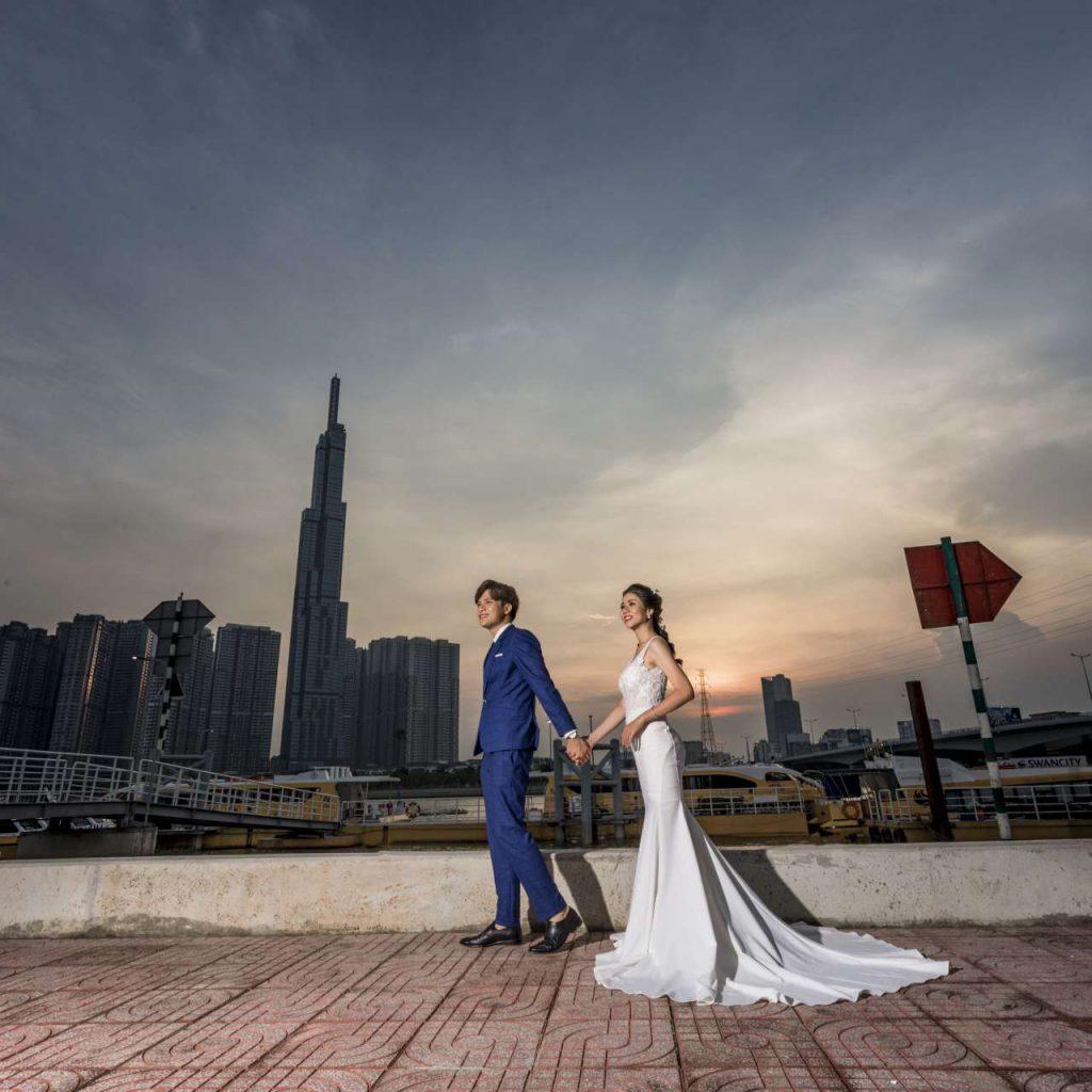 Ảnh cưới ngoại cảnh Sài Gòn hình 9