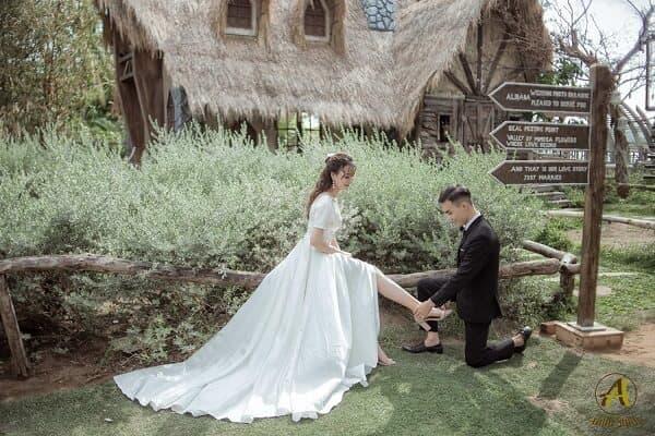 Gói chụp ảnh cưới phim trường tại TPHCM của Ahihi Studio - hình ảnh 3
