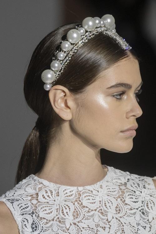 5 xu hướng váy cưới đẹp nhất trong mùa Thu – Đông 2019 - hình ảnh 18