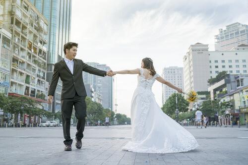 6 địa điểm chụp ảnh cưới rẻ mà vẫn đẹp long lanh ở Sài Gòn - hình ảnh 2