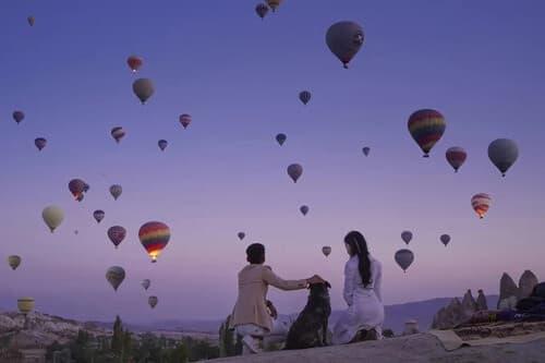Ảnh cưới 'đẹp như cổ tích' dưới bầu trời khinh khí cầu - hình ảnh 6
