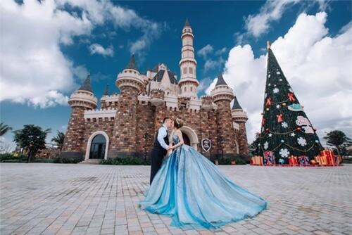 Ảnh cưới mang phong cách cổ điển ở Công viên châu Á - hình ảnh 7