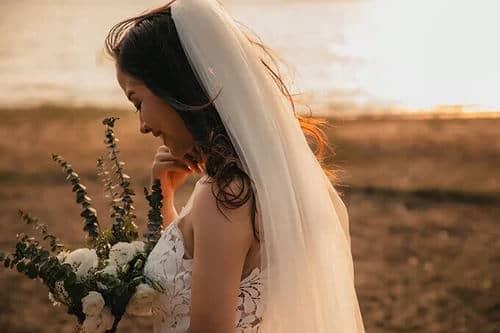 Ảnh cưới mùa lá vàng Bình Dương ngỡ là cảnh sắc thu Hàn Quốc - hình ảnh 13