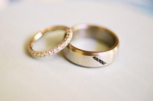 Bí quyết chọn mua nhẫn cưới giá rẻ - hình ảnh 2