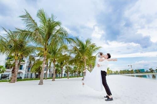 """Biển Vinhomes Ocean Park: Điểm chụp ảnh cưới """"chất lừ"""" của các cặp đôi - hình ảnh 6"""