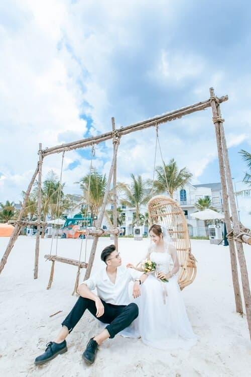 """Biển Vinhomes Ocean Park: Điểm chụp ảnh cưới """"chất lừ"""" của các cặp đôi - hình ảnh 7"""
