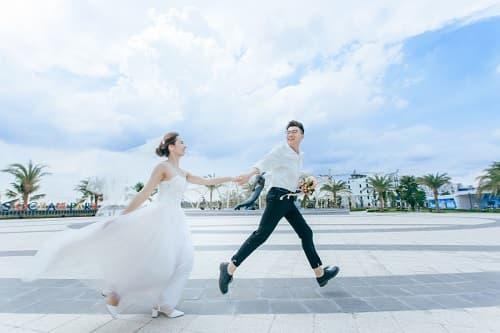 """Biển Vinhomes Ocean Park: Điểm chụp ảnh cưới """"chất lừ"""" của các cặp đôi - hình ảnh 8"""