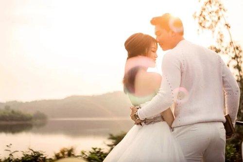 Bộ ảnh cưới được chụp tại 4 điểm cực hot ở Đà Nẵng - hình ảnh 11