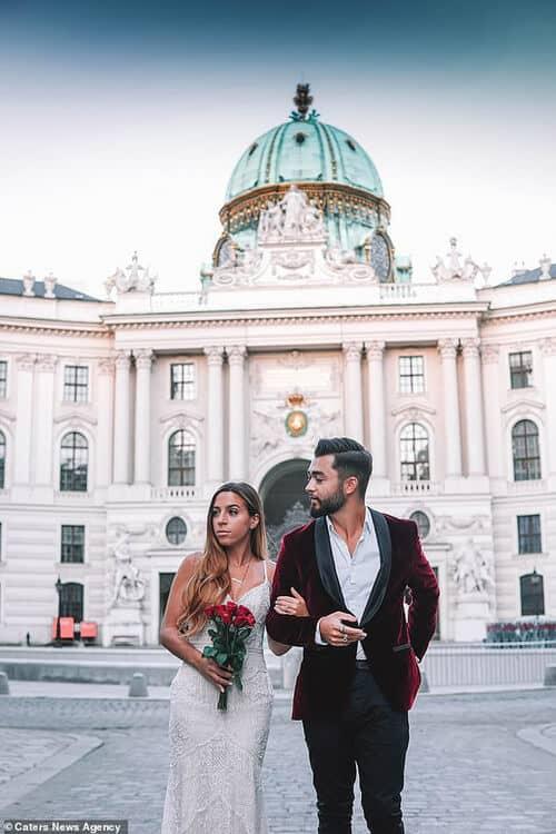 Cặp đôi chịu chơi nhất hành tinh: Đi du lịch vòng quanh thế giới để chụp ảnh cưới và sống lại ngày hạnh phúc nhất - hình ảnh 1
