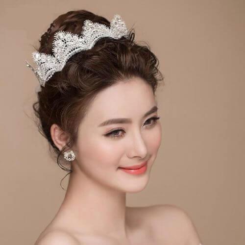 Top 10 kiểu tóc cô dâu đẹp nhất 2019 cho ngày cưới thêm hoàn hảo - hình ảnh 16