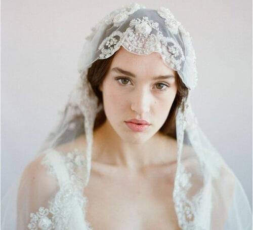 Top 10 kiểu tóc cô dâu đẹp nhất 2019 cho ngày cưới thêm hoàn hảo - hình ảnh 18