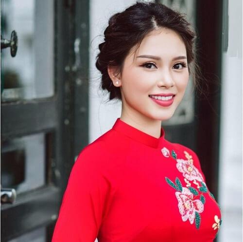 Top 10 kiểu tóc cô dâu đẹp nhất 2019 cho ngày cưới thêm hoàn hảo - hình ảnh 20
