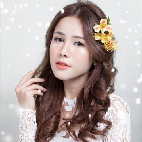 Top 10 kiểu tóc cô dâu đẹp nhất 2019 cho ngày cưới thêm hoàn hảo - hình ảnh 24