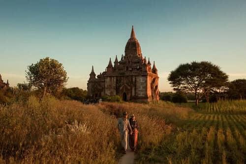 Uyên ương chạy đua cùng mặt trời khi chụp ảnh cưới ở Bagan - hình ảnh 12