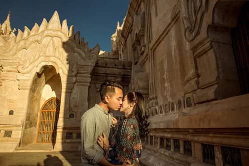 Uyên ương Chạy đua Cùng Mặt Trời Khi Chụp ảnh Cưới ở Bagan – Hình ảnh Minh Họa
