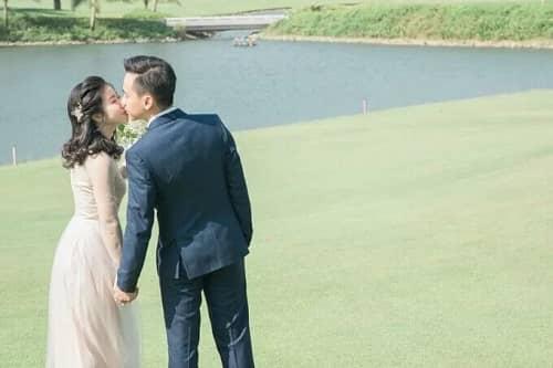 Uyên ương TPHCM chụp ảnh cưới có '1-0-2' ở sân golf - hình ảnh 2