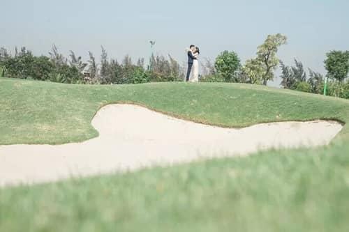 Uyên ương TPHCM chụp ảnh cưới có '1-0-2' ở sân golf - hình ảnh 6