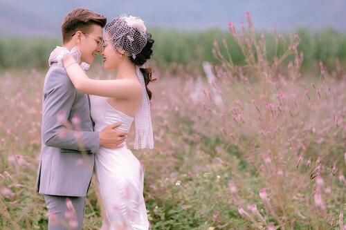Đồng hoa mào gà, điểm chụp ảnh cưới mới tại Đà Nẵng - hình ảnh 3