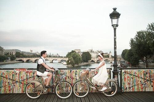 Cặp đôi lang thang khắp Paris chụp ảnh cưới phong cách đường phố - hình ảnh 5