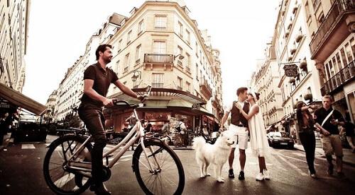Cặp đôi lang thang khắp Paris chụp ảnh cưới phong cách đường phố - hình ảnh 6