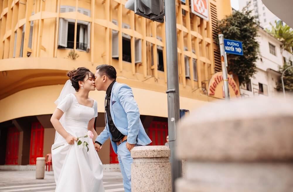 Chụp ảnh cưới ngoại cảnh Sài Gòn TPHCM - hình 1
