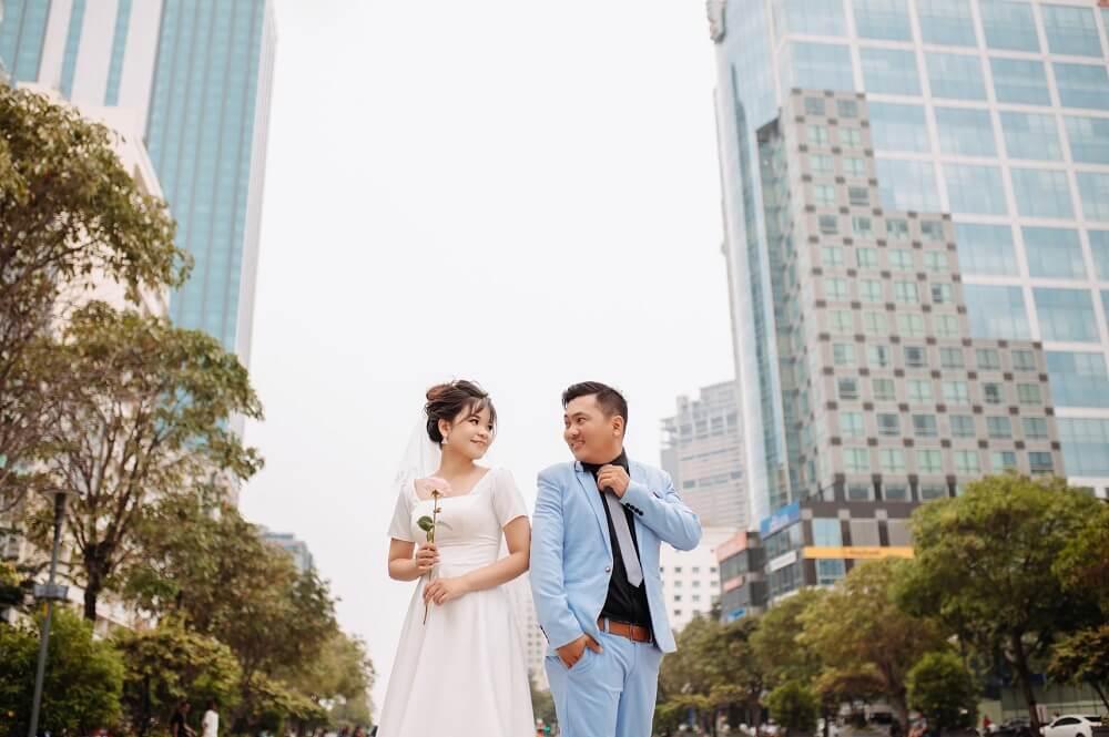 Chụp ảnh cưới ngoại cảnh Sài Gòn TPHCM - hình 3
