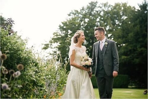 Làm thế nào để chụp chân dung cho cô dâu và chú rể tại lễ cưới khi không có nhiều thời gian? - hình ảnh 8