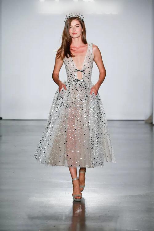 Top 7 xu hướng váy cưới hot nhất năm 2020 - hình ảnh 11