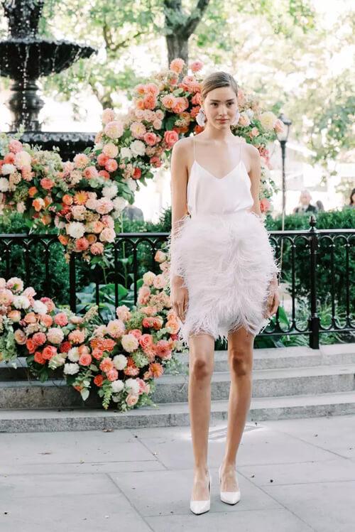 Top 7 xu hướng váy cưới hot nhất năm 2020 - hình ảnh 20