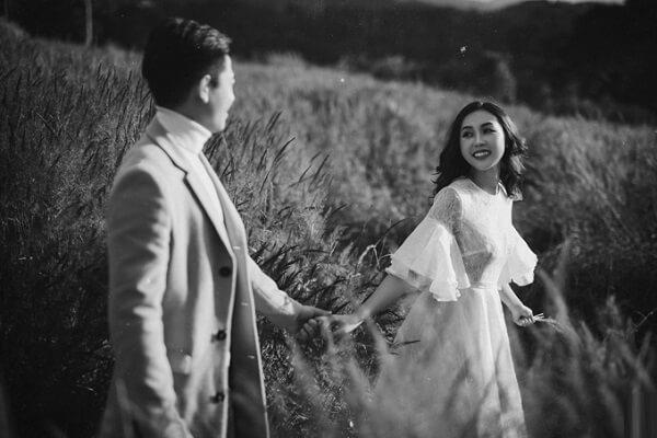 Bộ ảnh cưới chụp một ngày 'bắt trọn' cảnh sắc Đà Lạt - hình 3